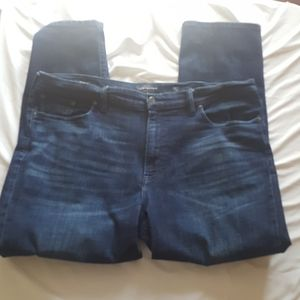Lucky Brand Jeans. ( m23)